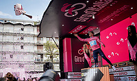 Richard Carapaz (ECU/Movistar) retains the Maglia Rosa / overall leader jersey after Stage 15: Ivrea to Como (232km)<br /> <br /> 102nd Giro d'Italia 2019<br /> <br /> ©kramon