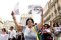 Cartelli contro Renzi<br /> Roma 05-05-2015 Manifestazione contro la riforma del governo sulla 'Buona scuola'.<br /> Demonstration against the reform of the school<br /> Photo Samantha Zucchi Insidefoto