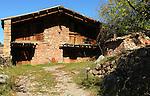 El Barida. Poble de Cava. Mirador. Alt Urgell. Casa