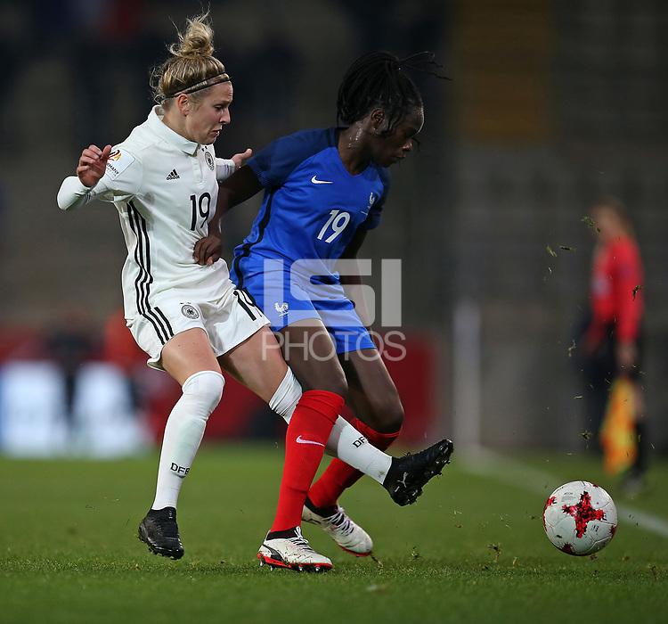 24.11.2017, Football Frauen Laenderspiel, Germany - France, in der SchuecoArena Bielefeld.  Svenja Huth (Germany) - Griedge Mbock Bathy (France)  *** Local Caption *** © pixathlon +++ tel. +49 - (040) - 22 63 02 60 - mail: info@pixathlon.de<br /> <br /> +++ NED + SUI out !!! +++