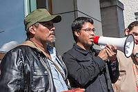"""Am Donnerstag den 23. April 2015 protestierten Angehoerige und Freunde von 43 Studenten die im September 2014 Mexiko ermordet wurden vor der mexikanischen Botschaft in Berlin.<br /> Polizisten hatten die Studenten in der Stadt Iguala entfuehrt und sie der kriminellen Organisation """"Guerreros Unidos"""" uebergeben. Der Mord wurde bis heute nicht aufgeklaert und die mexikanische Regierung behindert bis heute die Aufklaerung.<br /> Die Demonstranten forderten endlich eine Aufklaerung ueber die Morde und dass die Verantwortlichen zur Rechenschaft gezogen werden.<br /> Im Bild vlnr.: Omar Garcia, Studienkollege der 43 Verschwundenen; Eleucadio Ortega Carlos, Vater des ermordeten Studenten Mauricio Ortega Valerio.<br /> 23.4.2015, Berlin<br /> Copyright: Christian-Ditsch.de<br /> [Inhaltsveraendernde Manipulation des Fotos nur nach ausdruecklicher Genehmigung des Fotografen. Vereinbarungen ueber Abtretung von Persoenlichkeitsrechten/Model Release der abgebildeten Person/Personen liegen nicht vor. NO MODEL RELEASE! Nur fuer Redaktionelle Zwecke. Don't publish without copyright Christian-Ditsch.de, Veroeffentlichung nur mit Fotografennennung, sowie gegen Honorar, MwSt. und Beleg. Konto: I N G - D i B a, IBAN DE58500105175400192269, BIC INGDDEFFXXX, Kontakt: post@christian-ditsch.de<br /> Bei der Bearbeitung der Dateiinformationen darf die Urheberkennzeichnung in den EXIF- und  IPTC-Daten nicht entfernt werden, diese sind in digitalen Medien nach §95c UrhG rechtlich geschuetzt. Der Urhebervermerk wird gemaess §13 UrhG verlangt.]"""
