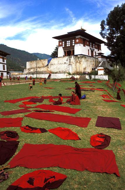 Ecole monastique de Dechenphodrang a Thimphu. *** Dechenphodrang monastic school, Thimphu.