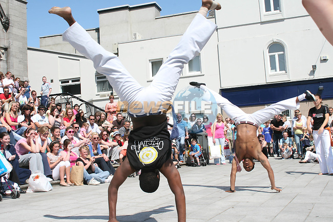 MundoCapoeira at the Samba Festival 2009...Photo NEWSFILE/Jenny Matthews.(Photo credit should read Jenny Matthews/NEWSFILE)....This Picture has been sent you under the condtions enclosed by:.Newsfile Ltd..The Studio,.Millmount Abbey,.Drogheda,.Co Meath..Ireland..Tel: +353(0)41-9871240.Fax: +353(0)41-9871260.GSM: +353(0)86-2500958.email: pictures@newsfile.ie.www.newsfile.ie.FTP: 193.120.102.198.