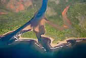 Embouchure de la rivière Ni, Massif du Humboldt (côte oubliée), Nouvelle-Calédonie