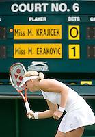24-6-08, England, Wimbledon, Tennis,   Michaella Krajicek uit haar frustratie als zij verliest in de eerste ronde van haar dubbel partner Erakovic