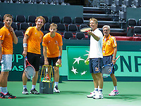 Switserland, Genève, September 16, 2015, Tennis,   Davis Cup, Switserland-Netherlands, Practise Dutch team, good atmosphere in the Dutch team ltr: Tim van Rijthoven, Matwe Middelkoop, Tallon Griekspoor Captain Jan Siemerink and coach Martin Bohm<br /> Photo: Tennisimages/Henk Koster