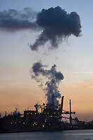 Europe/France/Nord-Pas-de-Calais/59/Nord/Dunkerque: La zone industrielle portuaire
