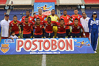 BARRANQUILLA - COLOMBIA -25-02-2014: Los jugadores de Universidad Autonoma posan para una foto durante partido de la octava fecha de la Liga Postobon I 2014, jugado en el estadio Metropolitano Roberto Melendez de la ciudad de Barranquilla. / The players of Universidad Autonoma pose for a photo during a match for the eighth date of the Liga Postobon I 2014 at the Metropolitano Roberto Melendez stadium in Barranquilla city. Photo: VizzorImage  / Alfonso Cervantes / Str.