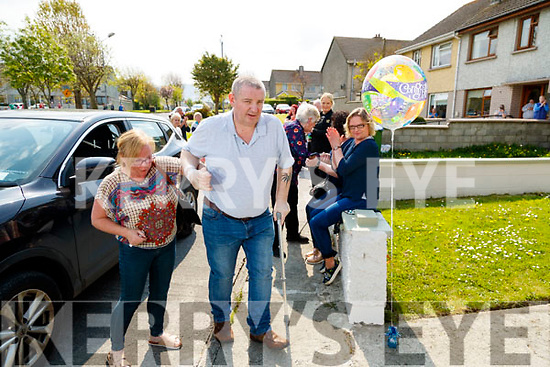 Martin O'Shea who returned home to Saint Josephs Estate, Tralee on Friday after recovering from Covid-19 pictured with his wife Pauline.