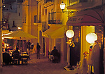 Spanien, Balearen, Ibiza (Eivissa), Ibiza-Stadt: Altstadtgasse am Abend | Spain, Balearic Islands, Ibiza (Eivissa), Ibiza-Town: Down Town Lane at night