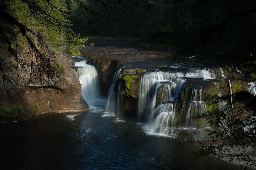 Lower Falls, Lewis River, Gifford Pinchot National Forest, Washington, US