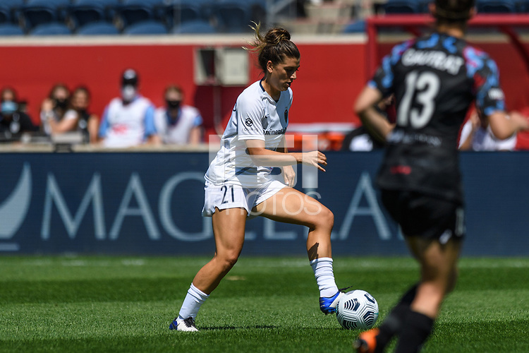 BRIDGEVIEW, IL - JUNE 5: Cari Roccaro #21 of the North Carolina Courage dribbles the ball during a game between North Carolina Courage and Chicago Red Stars at SeatGeek Stadium on June 5, 2021 in Bridgeview, Illinois.