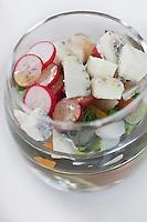 Europe/France/Poitou-Charentes/79/Deux-Sèvres/Melle: Petite verrine légumes de printemps et chèvre sec - Recette d' Eric  Caillon de l'Hôtel-restaurant: Les Glycines