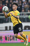 01.12.2018,  GER; 2. FBL, FC St. Pauli vs SG Dynamo Dresden ,DFL REGULATIONS PROHIBIT ANY USE OF PHOTOGRAPHS AS IMAGE SEQUENCES AND/OR QUASI-VIDEO, im Bild Einzelaktion Hochformat Baris Atik (Dresden #28) Foto © nordphoto / Witke
