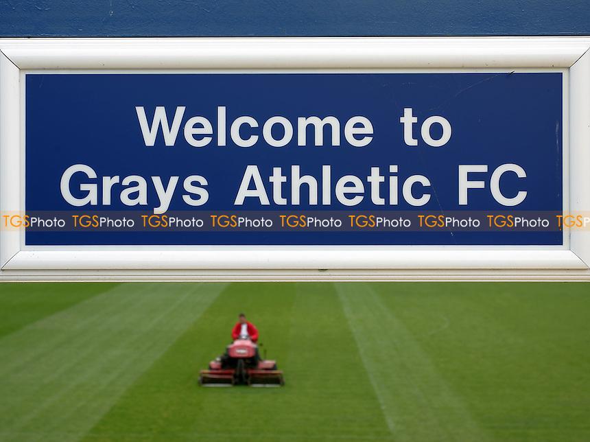 Grays Athletic Football Club - 12/08/05 - MANDATORY CREDIT: Gavin Ellis/TGSPHOTO. Self-Billing applies where appropriate. NO UNPAID USE. Tel: 0845 094 6026