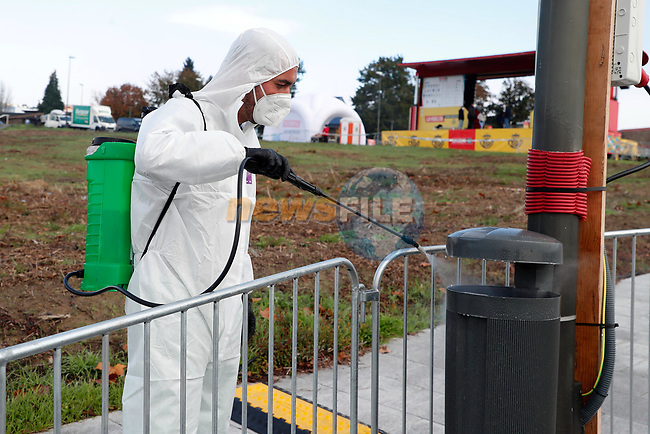 Disenfectant teams sanitize before the start of Stage 14 of the Vuelta Espana 2020, running 204.7km from Lugo to Ourense, Spain. 4th November 2020. <br /> Picture: Luis Angel Gomez/PhotoSportGomez | Cyclefile<br /> <br /> All photos usage must carry mandatory copyright credit (© Cyclefile | Luis Angel Gomez/PhotoSportGomez)