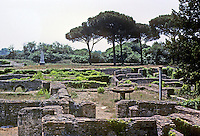 Italy: Ostia--Tombs. Photo '83.