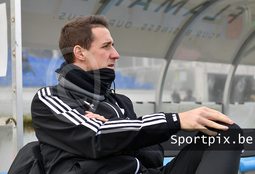 OHL's head coach Jimmy Coenraets pictured during a female soccer game between Club Brugge Dames YLA and Oud Heverlee Leuven on the 8 th matchday of the 2020 - 2021 season of Belgian Scooore Womens Super League , saturday 21 th November 2020  in Knokke , Belgium . PHOTO SPORTPIX.BE | SPP | DAVID CATRY