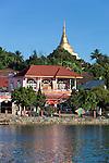 Myanmar, (Burma), Shan State, Kengtung: Wat Jong Kham and colonial era buildings on Naung Tung lake | Myanmar (Birma), Shan Staat, Kengtung: Tempel Wat Jong Kham und Gebaeude aus der Kolonialzeit am Naung Tung See