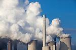 Europa, DEU, Deutschland, Nordrhein Westfalen, NRW, Rheinland, Niederrhein, Grevenbroich, Kraftwerk, Braunkohlekraftwerk Neurath, Kuehltuerme, Dampf, Wasserdampf, Kategorien und Themen, Energie, Konventionelle Energien, Energien, Konventionell, Strom, Konventionelle Energieerzeugung, Stromerzeugung, Energieversorgung, Energiewirtschaft, Versorgung, Stromversorgung, Industrie, Industriefotografie, Wirtschaft, Wirtschaftsthemen, Technik, Technologie, Technologien<br /> <br /> [Fuer die Nutzung gelten die jeweils gueltigen Allgemeinen Liefer-und Geschaeftsbedingungen. Nutzung nur gegen Verwendungsmeldung und Nachweis. Download der AGB unter http://www.image-box.com oder werden auf Anfrage zugesendet. Freigabe ist vorher erforderlich. Jede Nutzung des Fotos ist honorarpflichtig gemaess derzeit gueltiger MFM Liste - Kontakt, Uwe Schmid-Fotografie, Duisburg, Tel. (+49).2065.677997, <br /> archiv@image-box.com, www.image-box.com]