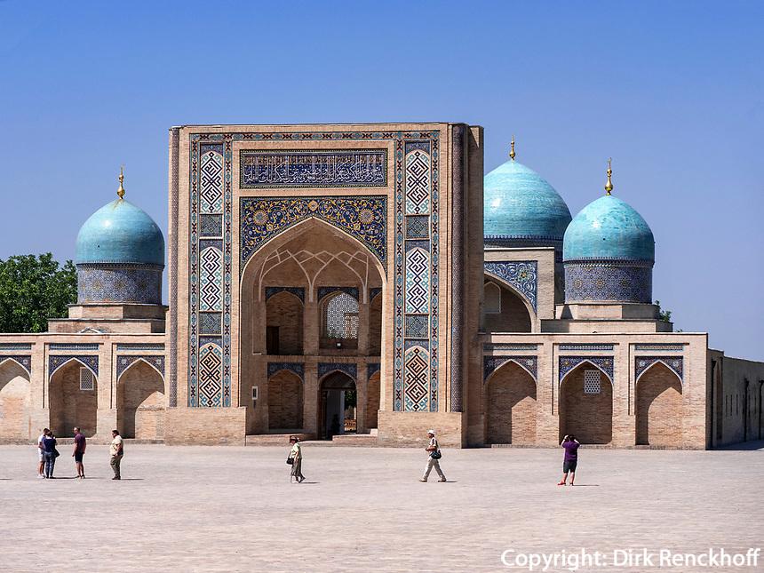 Barak Khan Medrese am Hast Imam-Platz, Taschkent, Usbekistan, Asien<br /> Barak Khan Madrasa at Hast Imam-Square, Tashkent, Uzbekistan, Asia