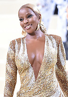 """NEW YORK, NEW YORK - SEPTEMBER 13: Mary J Blige at the 2021 Met Gala benefit """"In America: A Lexicon of Fashion"""" at Metropolitan Museum of Art on September 13, 2021 in New York City. Credit: John Palmer/MediaPunch"""