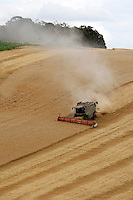 Photo: Richard Lane/Richard Lane Photography..A Claas Lexoin 570 Montana combine harvester cutting spring barley in the Chiltern Hills near Amersham, South Buckinghamshire. 13/08/2007.