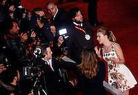 """L'attrice, cantante e modella statunitense Scarlett Johansson sul red carpet per la presentazione del film """"Her"""" all'ottava edizione del Festival Internazionale del Film di Roma, 10 novembre 2013.<br /> U.S. actress, singer and model Scarlett Johansson on the red carpet to present the movie """"Her"""" during the 8th edition of the international Rome Film Festival at Rome's Auditorium, 10 November 2013.<br /> UPDATE IMAGES PRESS/Riccardo De Luca"""