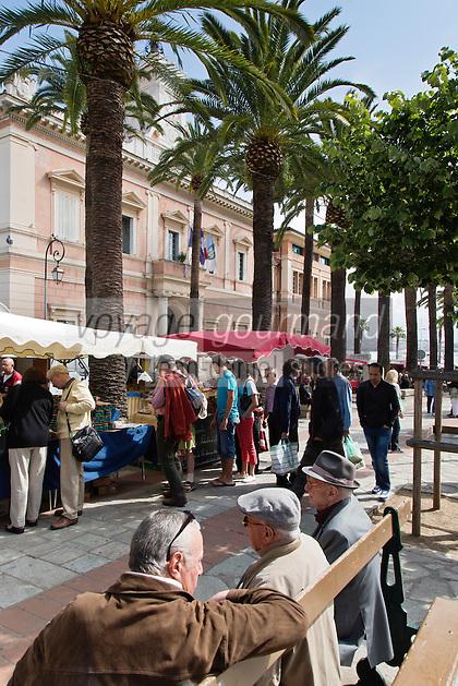 Europe/France/2A/Corse du Sud/Ajaccio:Sur le marché devant l'hotel de ville
