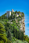 Italy, Trentino, Lake Garda, Arco: Arco castle ruin | Italien, Trentino, Gardasee, Arco: Burgruine Arco - hoch auf einem Felsen gelegen