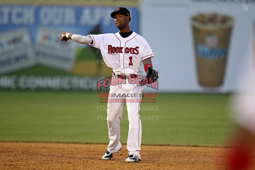 New Britain Rock Cats shortstop Danny Santana #1 throws during a game against the Binghamton Mets at New Britain Stadium on July 18, 2013 in New Britain, Connecticut. (Brace Hemmelgarn/Four Seam Images)