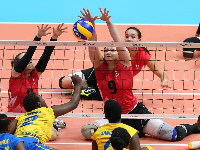 Danielle Ellis, Rio 2016 - Sitting Volleyball // Volleyball assis.<br /> Canada competes against Rwanda in the Women's Sitting Volleyball Preliminary // Le Canada affronte le Rwanda dans le tournoi préliminaire de volleyball assis féminin. 15/09/2016.