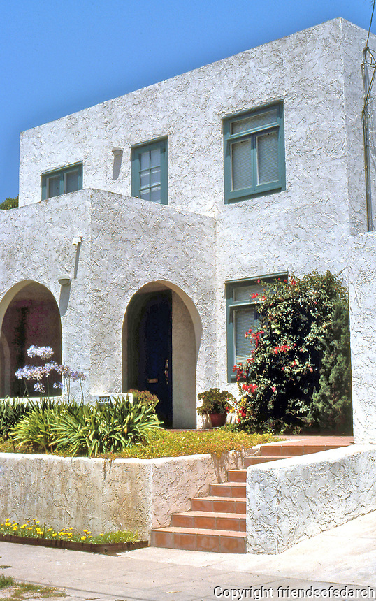 """Irving Gill: 3729 8th Ave., San Diego. 1910. Southernmost of four Cossitt Cottages. (The """"rustic""""  plastering can not be Gill's. Photo 2000."""