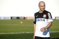 SAO PAULO, SP 18 JULHO 2013 - TREINO CORINTHIANS - O jogador Alessandro do Corinthians, treinou na tarde de hoje, 18, no Ct. Dr. Joaquim Grava, na zona leste de São Paulo. FOTO: PAULO FISCHER/BRAZIL PHOTO PRESS