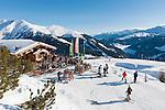 Austria, Tyrol, Ziller Valley Arena, Gerlos: ski region Isskogel, mountain Inn Latschenalm; ski area Koenigsleiten at background | Oesterreich, Tirol, Zillertal-Arena, Gerlos: Skigebiet Isskogel, Bergrestaurant Latschenalm - im Hintergrund Skigebiet Koenigsleiten