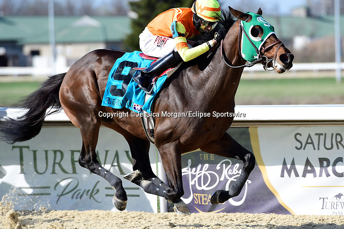 March 27, 2021: Visitant #9, ridden by jockey Deshawn Parker, wins the Kentucky Cup Classic Stakes on Jeff Ruby Steaks Stakes Day at Turfway Park in Florence, Kentucky. Jessica Morgan/Eclipse Sportswire/CSM