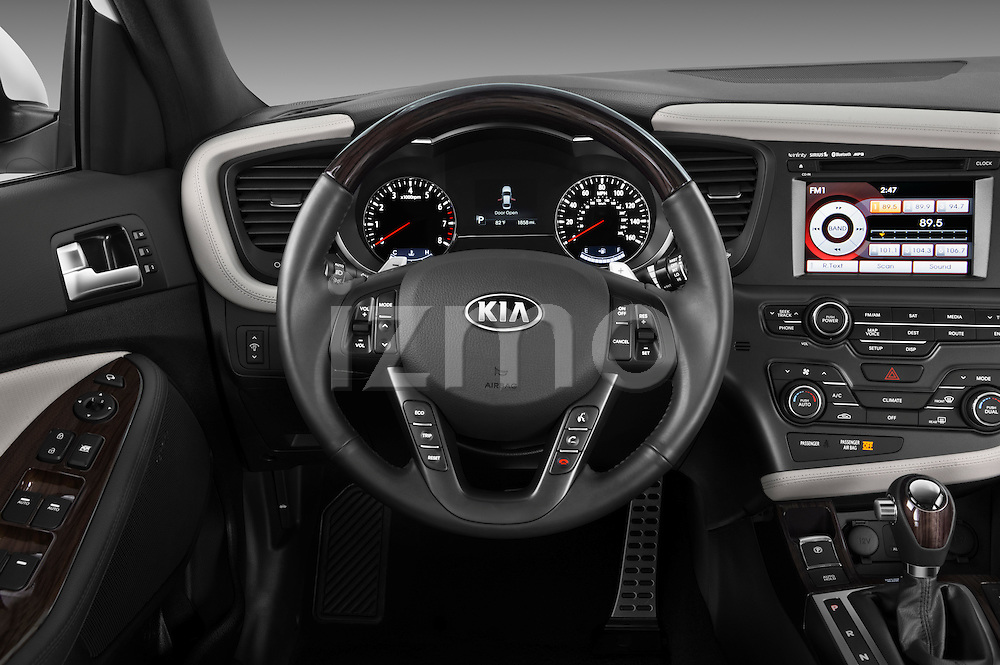 Steering wheel view of a 2013 Kia Optima SXL
