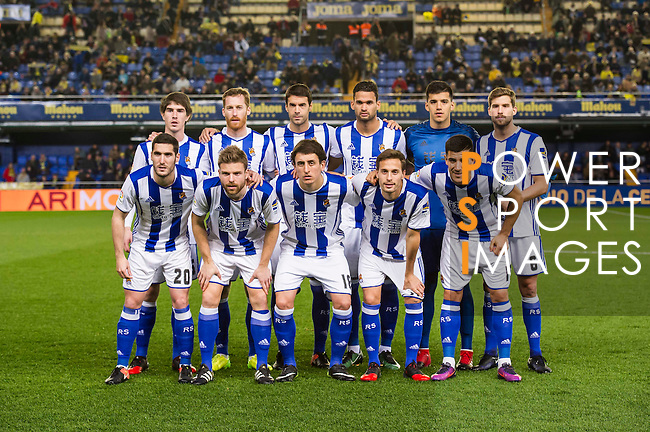 Players of Real Sociedad line up and pose for photos prior to their Copa del Rey 2016-17 Round of 16 match between Villarreal and Real Sociedad at the Estadio El Madrigal on 11 January 2017 in Villarreal, Spain. Photo by Maria Jose Segovia Carmona / Power Sport Images