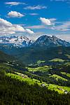 Oesterreich, Salzburger Land,  bei Abtenau: Blick von der Postalm-Panoramastrasse zum Dachsteingebirge | Austria, Salzburger Land, near Abtenau: view towards Dachstein mountains