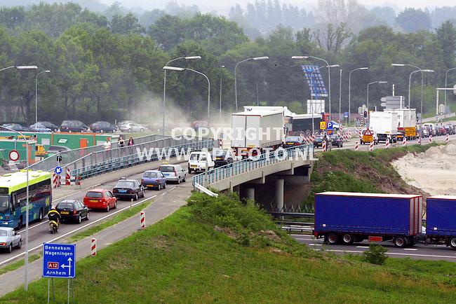 Ede, 150501  Foto: Koos Groenewold / APA Foto<br />Brug over de A12 . Verhaal Martijn Gort