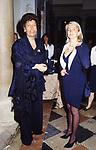 CARLA FENDI CON LA NIPOTE SILVIA<br /> AMFAR FOUNDATION CHARITY GALA PALAZZO VOLPI VENEZIA 1993