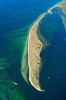 """Halbinsel  Wustrow:EUROPA, DEUTSCHLAND, MECKLENBURG- VORPOMMERN 29.06.2005 Halbinsel Wustrow Suedteil. Naturschutzgebiet Gemäß Landesverordnung vom 13. Januar 1997 umfasst das Schutzgebiet den größten Teil (etwa zwei Drittel, ca. 670 ha) der Halbinsel Wustrow, einen Teil des Salzhaffs  (300 ha) bis zur Wassertiefe von 2,5 m, die Wasserfläche der Kroy  (300 ha), sowie Flachwasserbereiche der Ostsee bis zur 5 m-Wasserlinie ( links 590 ha). Es beginnt 4 km südwestlich des Ostseebades Rerik und liegt im Nordosten des Europäischen Vogelschutzgebietes """"Küstenlandschaft Wismar-Bucht"""" mit dem Naturschutzgebiet Insel Langenwerder. Die Gesamtgröße des NSG beträgt 1940 ha.  .Die Halbinsel Wustrow blieb durch die militärische Nutzung von anderen, heute raumgreifend vorhandenen Landschaftsveränderungen wie Eutrophierung, Küstenverbau und intensiver touristischer Nutzung verschont. Hervorzuheben ist die nahezu vollständig erhalten gebliebene ungestörte Küstendynamik im Übergangsbereich zwischen Ostsee, Festland und Haff.  Blickrichtung von  Sued nach Nord. Ostsee, Meer, Wasser.Luftaufnahme, Luftbild,  Luftansicht.c o p y r i g h t : A U F W I N D - L U F T B I L D E R . de.G e r t r u d - B a e u m e r - S t i e g 1 0 2, 2 1 0 3 5 H a m b u r g , G e r m a n y P h o n e + 4 9 (0) 1 7 1 - 6 8 6 6 0 6 9 E m a i l H w e i 1 @ a o l . c o m w w w . a u f w i n d - l u f t b i l d e r . d e.K o n t o : P o s t b a n k H a m b u r g .B l z : 2 0 0 1 0 0 2 0  K o n t o : 5 8 3 6 5 7 2 0 9.C o p y r i g h t n u r f u e r j o u r n a l i s t i s c h Z w e c k e, keine P e r s o e n l i c h ke i t s r e c h t e v o r h a n d e n, V e r o e f f e n t l i c h u n g n u r m i t H o n o r a r n a c h M F M, N a m e n s n e n n u n g u n d B e l e g e x e m p l a r !."""