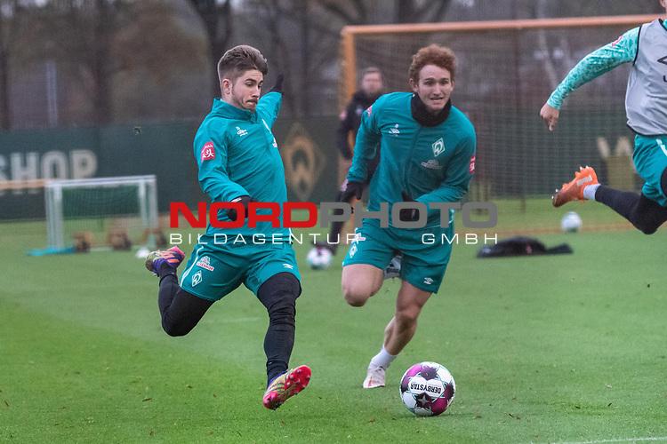 16.11.2020, Trainingsgelaende am wohninvest WESERSTADION - Platz 12, Bremen, GER, 1.FBL, Werder Bremen Training<br /> <br /> <br /> Romano Schmid (Werder Bremen 20)<br /> Joshua Sargent (Werder Bremen #19)<br />  ,Ball am Fuss, <br /> <br /> <br /> Foto © nordphoto / Kokenge *** Local Caption ***