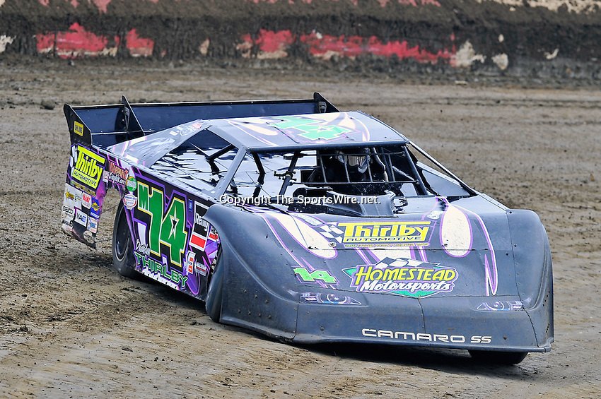 Feb 11, 2011; 11:26:39 AM; Gibsonton, FL., USA; The Lucas Oil Dirt Late Model Racing Series running The 35th annual Dart WinterNationals at East Bay Raceway Park.  Mandatory Credit: (thesportswire.net)