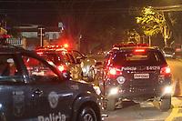 Campinas (SP), 16/03/2020 - Guarani-Ponte Preta - Torcedores do Guarani protestam apos a equipe sofrer segundo gol, tentam invadir o estadio e entram em conflito com a Policia Militar no estadio Brinco de Ouro, nesta segunda-feira (16), em partida contra a Ponte Preta pelo Campeonato Paulista. A partida teve portoes fechados devido a determinacao em protecao a transmissao do Coronavirus (Covid-19). (Foto: Luciano Claudino/Codigo 19/Codigo 19)