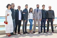 Tom Cullen, Olivia Ross, Sabrina Bartlett, Simon Merrels, Dominic Minghella, Jeremie Renner, Richard Rayner et Don Handfield posent lors du photocall de KNIGHTFALL pendant le MIPTV a Cannes, le mardi 4 avril 2017.