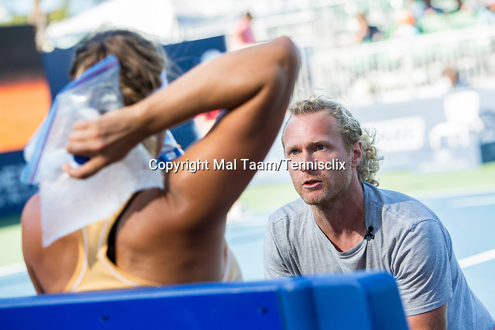 August 4, 2019: Aryna Sabalenka (BLR) talks to her coach where she was defeated by Saisai Zheng (CHN) 6-3, 7-6 in the finals of the Mubadala Silicon Valley Classic at San Jose State in San Jose, California. ©Mal Taam/TennisClix/CSM