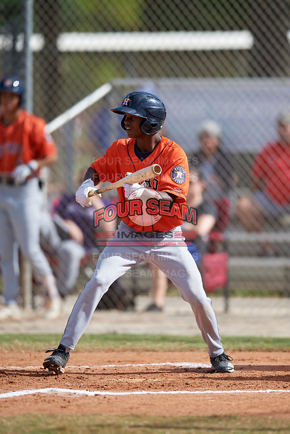 Enrique Bradfield Jr. (10) during the WWBA World Championship at the Roger Dean Complex on October 13, 2019 in Jupiter, Florida.  Enrique Bradfield Jr. attends American Heritage High School in Hialeah, FL and is committed to Vanderbilt.  (Mike Janes/Four Seam Images)