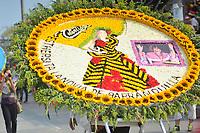 BARRANQUILLA - COLOMBIA, 02-03-2019: Una silleta en honor a Estercita Forero, la novia de Barranquilla, es vista durante el desfile Batalla de Flores del Carnaval de Barranquilla 2019, patrimonio inmaterial de la humanidad, que se lleva a cabo entre el 2 y el 5 de marzo de 2019 en la ciudad de Barranquilla. / A silleta of flowers in tribute of Estercita Forero, the girlfriend of Barranquilla, is seen during the Batalla de las Flores as part of the Barranquilla Carnival 2019, intangible heritage of mankind, that be held between March 2 to 5, 2019, at Barranquilla city. Photo: VizzorImage / Alfonso Cervantes / Cont.