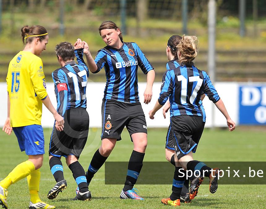 Club Brugge Dames - STVV Sint Truidense VV : Sofie Huyghebaert (midden).foto DAVID CATRY / Nikonpro.be